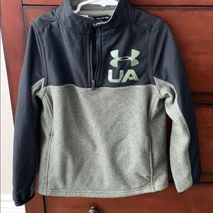 Under Armour boys pullover size xs/6